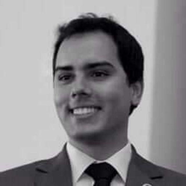 Gabriel Caixeta - Bancário