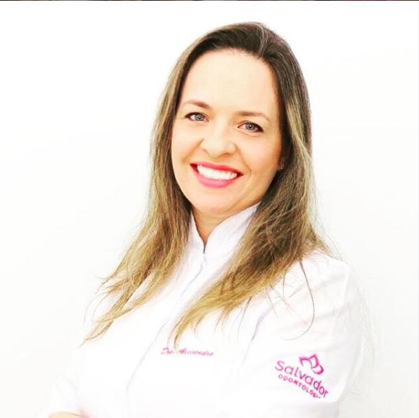 Dra Alessandra - Dentista